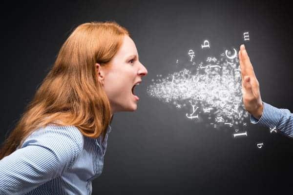 Gritar es violencia